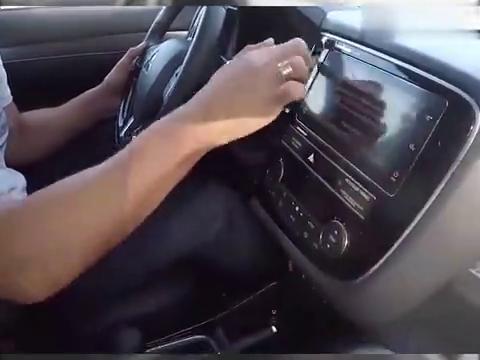 视频:新提的2020款三菱欧蓝德,开车上路的那刻,才知道视野有多宽广!