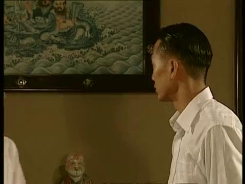 陈锡把黄玉珠的病情告诉黄家父母,黄母听后伤心落泪