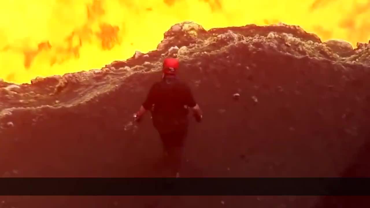 你见过岩浆烧烤吗看着烤过的香肠不知道怎么下嘴
