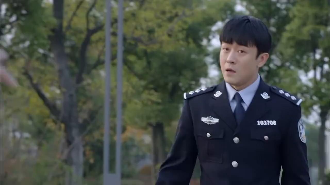 江城警事:王队说出徐佳敏的案件,杨先感觉到不妙,一直使眼色!
