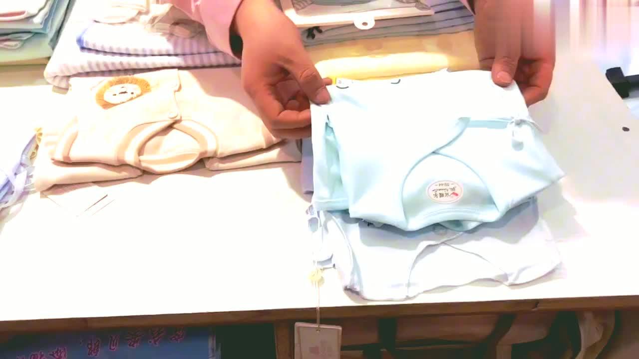 这位宝妈给宝宝搭配的待产包,几乎接近完美,看看都有哪些吧。