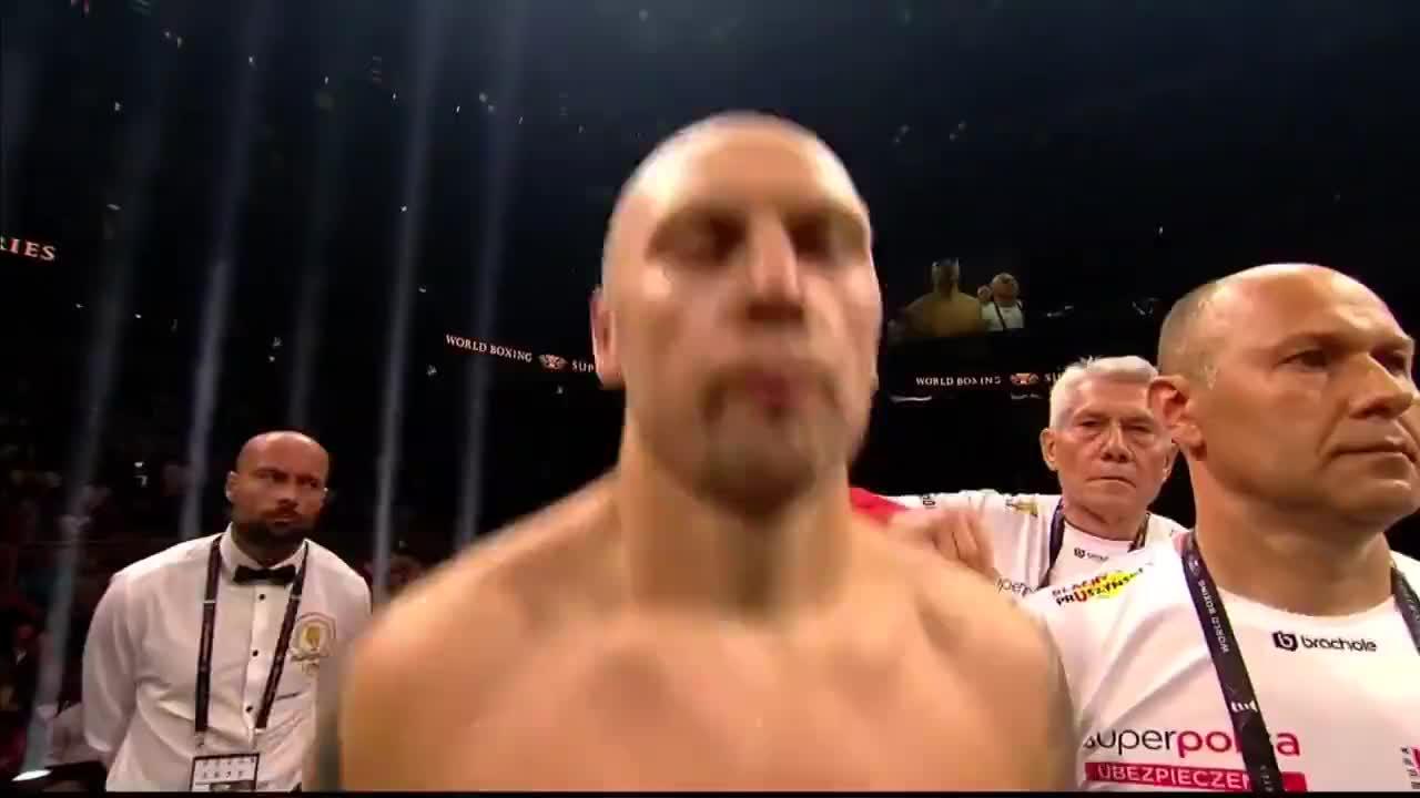 最新拳王争霸战,布雷迪斯三回合强势摧毁格洛瓦茨基成功复出