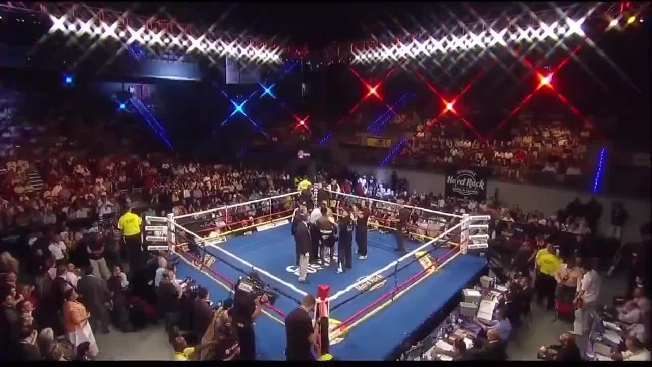 赛前嚣张的米兰达不屑于直视对手,结果被KO遭到了惩罚