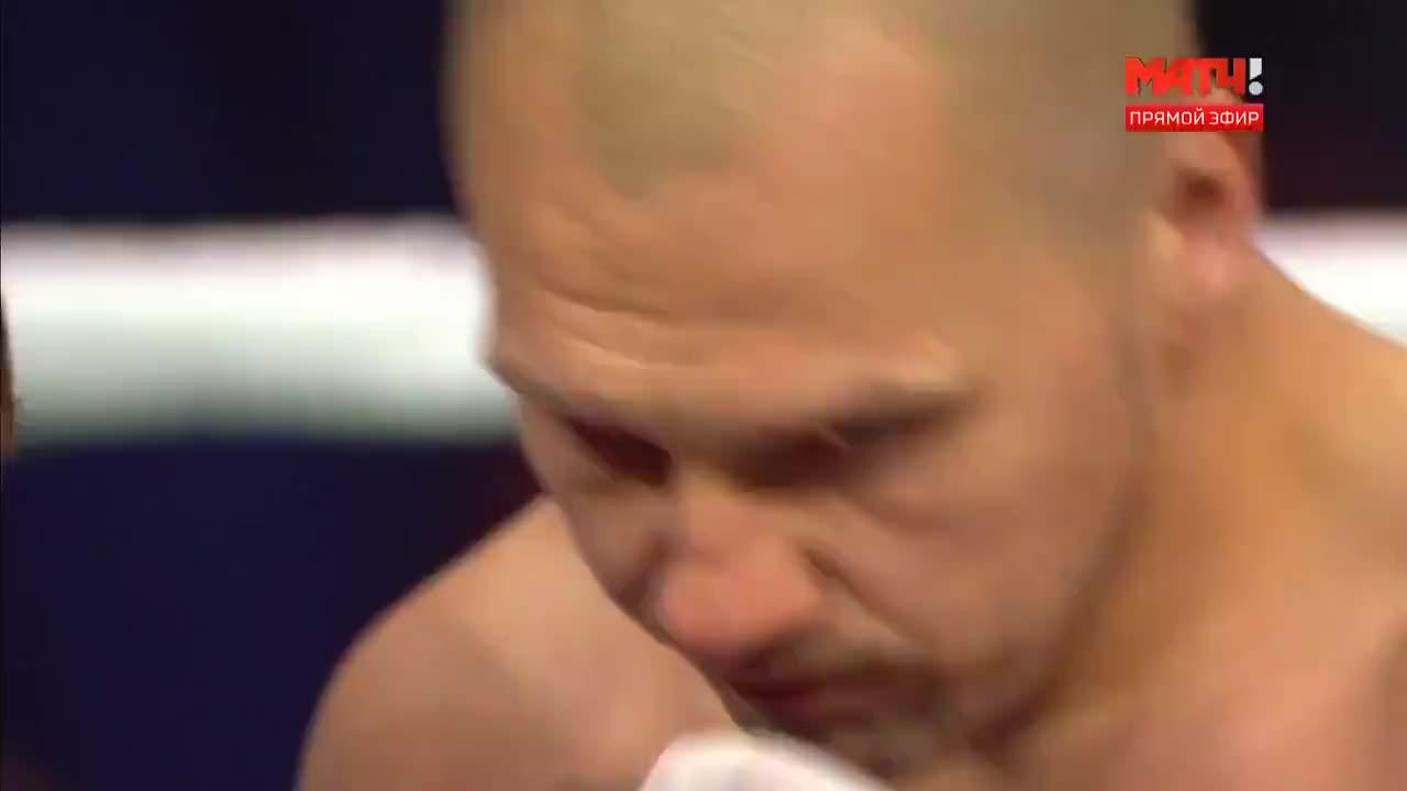 新老两代拳王的对决,最终布雷迪斯不负众望强势KO格洛瓦奇