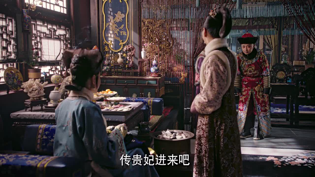 如懿传:高贵妃拜访皇后,叮嘱她照顾好自己,还赠送狐皮衣
