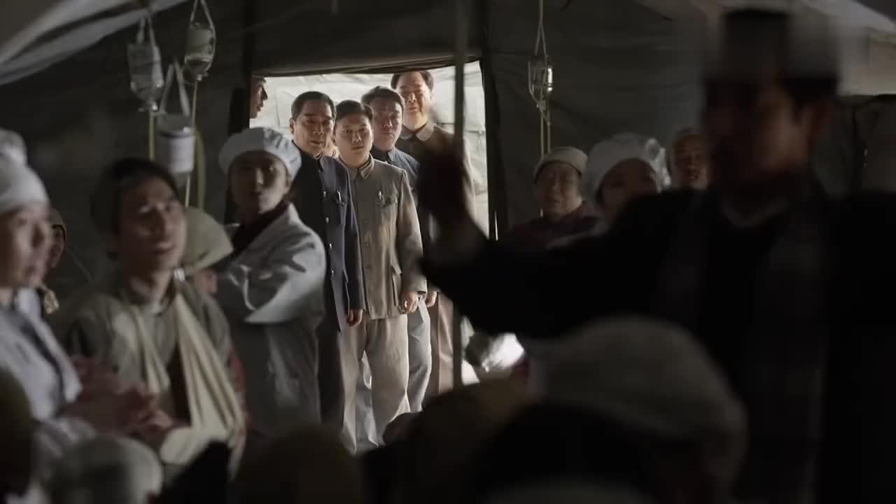 海棠依旧:音乐家为灾区人民献歌,提议让周总理唱歌却被伤员怼