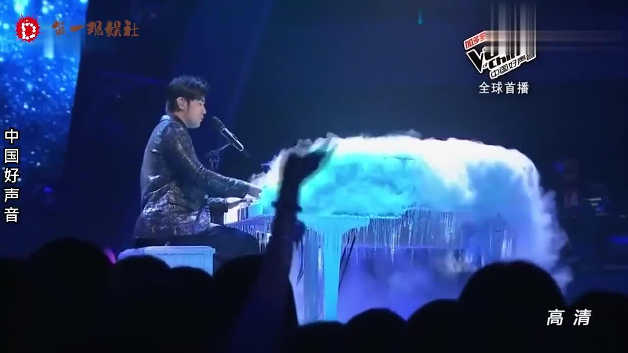 看周杰伦弹奏再看郎朗弹奏,差距一目了然,两人钢琴演奏对比合集