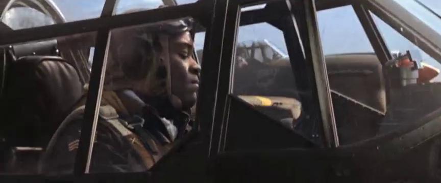 《红色机尾》:空战一触即发,百架战机天空厮杀