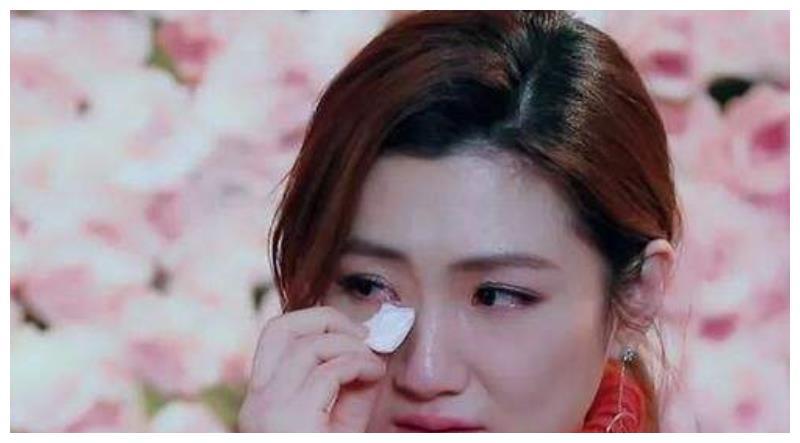 为何Selina毁容后,张承中仍旧娶她,直到最后又狠心离婚呢?