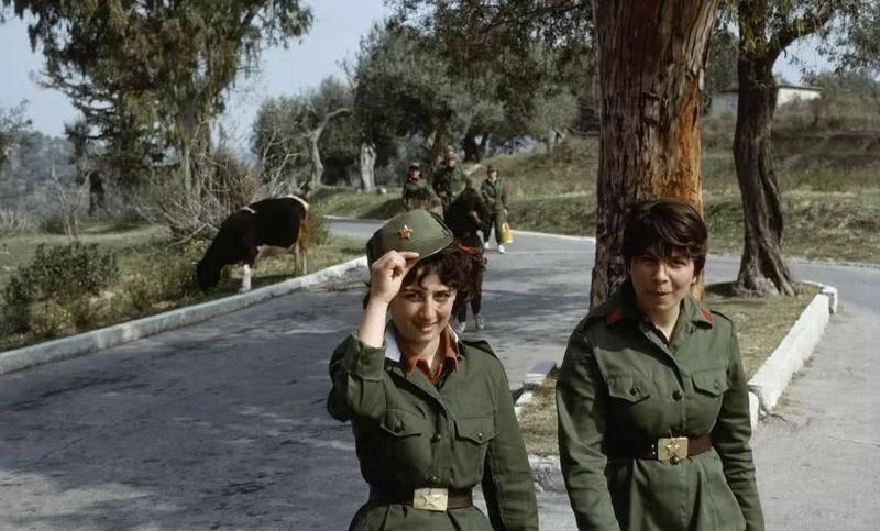 80年代阿尔巴尼亚老照片,曾经的欧洲明灯,现在生活水平倒退
