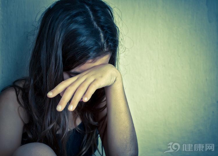 被回国男友传染,23岁姑娘患上艾滋病