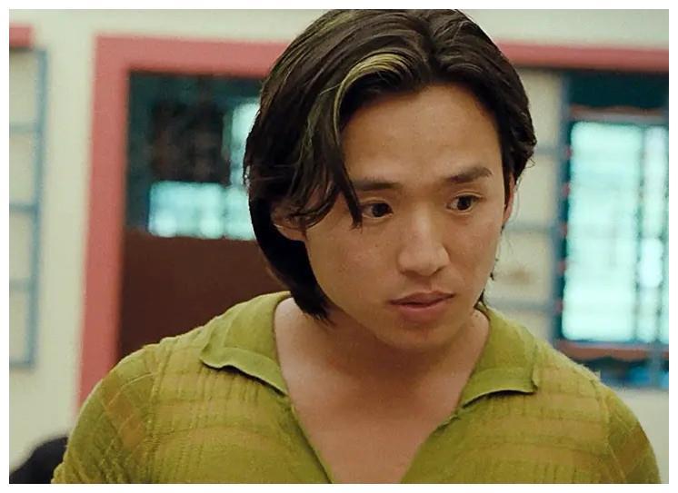 52岁朱永棠晒近照,却被误认成叶世荣,年轻时超像黄家驹