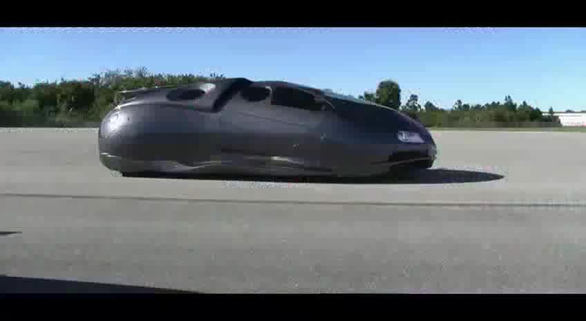 改装达人把汽车改造的像太空船的外形假如可以天马行空