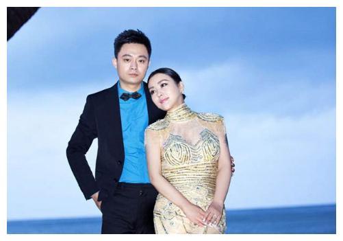 邓超前女友,李光洁前妻,二婚嫁刘烨很幸福,双胞胎儿子非常帅气