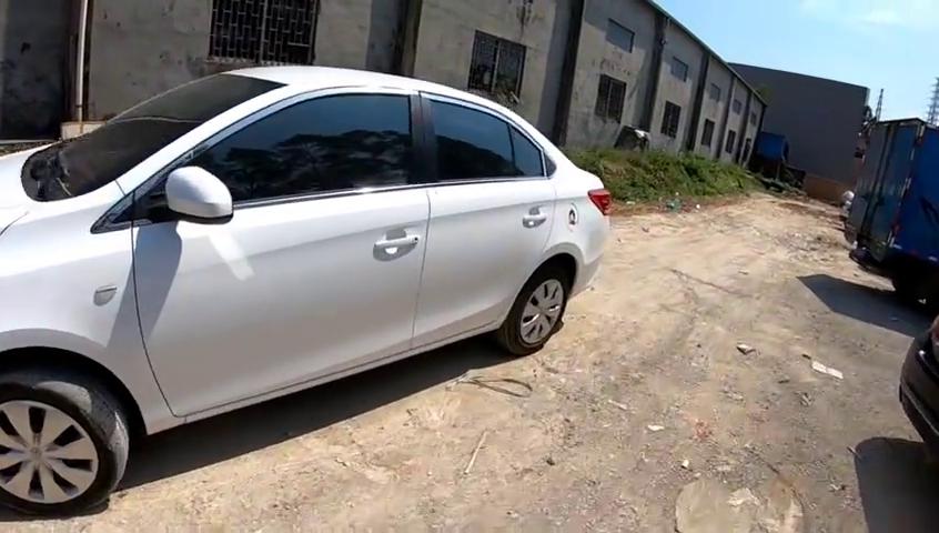 视频:全新丰田致享1.5+cvt开上东莞快速路,感觉一下动力和驾驶感觉
