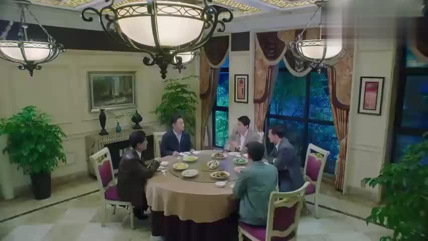 电视剧:饭桌上好谈事,以新带旧打包发货,囤积的货一扫而空!