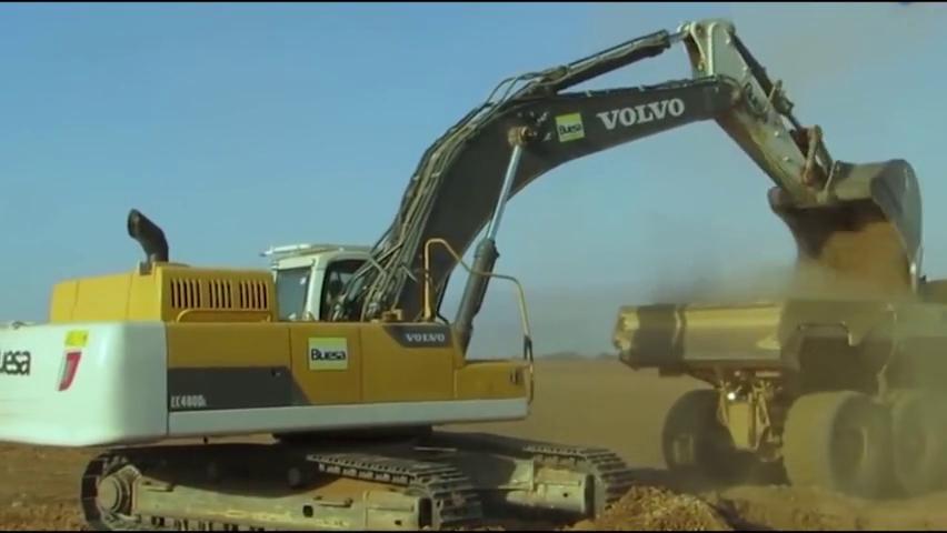 机械百科:这台沃尔沃挖掘机的涂装太丑了