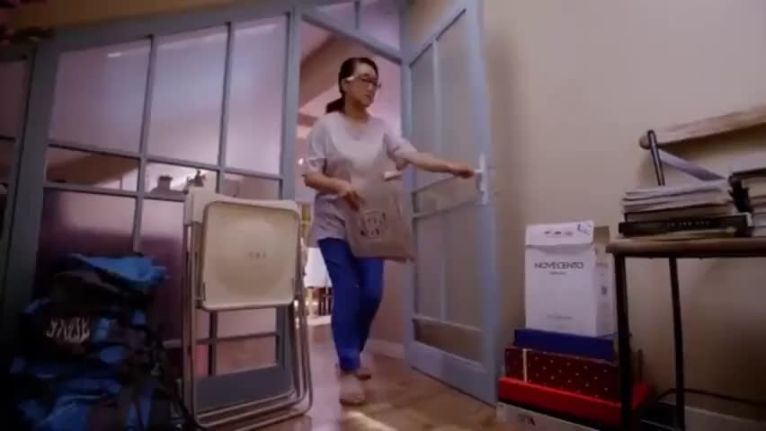 桃花运:尤斌假扮公司高管,家里却有大量保健品,纸都包不住火了