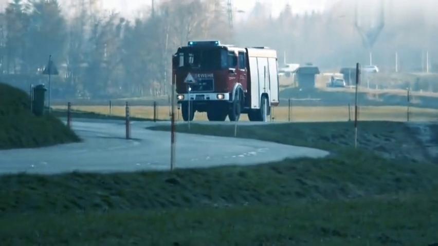 德国的消防车出警,警笛声听上去震耳欲聋的,一定是出大问题了!