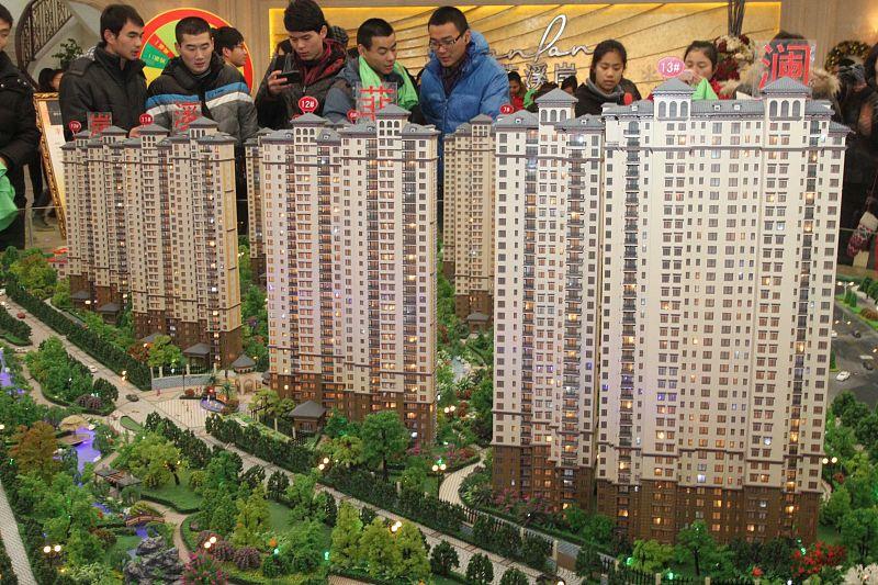 """楼市变成""""沙漏型""""市场!大城扩张,农村崛起,2类城市日益衰败"""