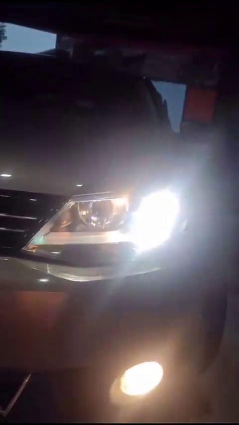 视频:速腾免开灯升级led透镜完工,两近光四远光效果