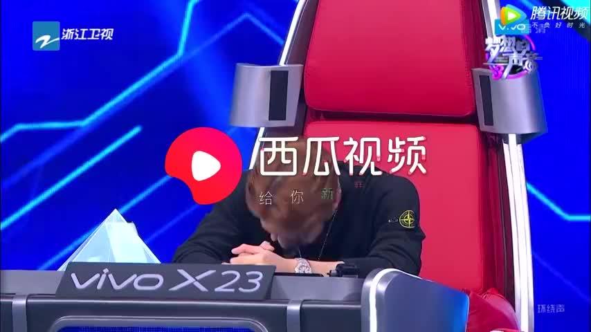 """王嘉尔咨询谭维维没找到,""""小魔王上线""""谭维维受惊吓花容失色"""