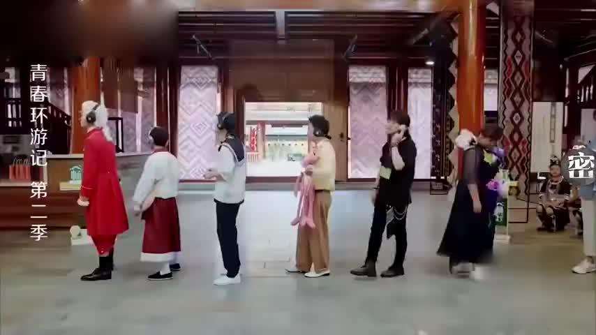 环游记:贾玲成功带跑郎朗,鬼畜动作洗脑郎朗,杨迪看懵