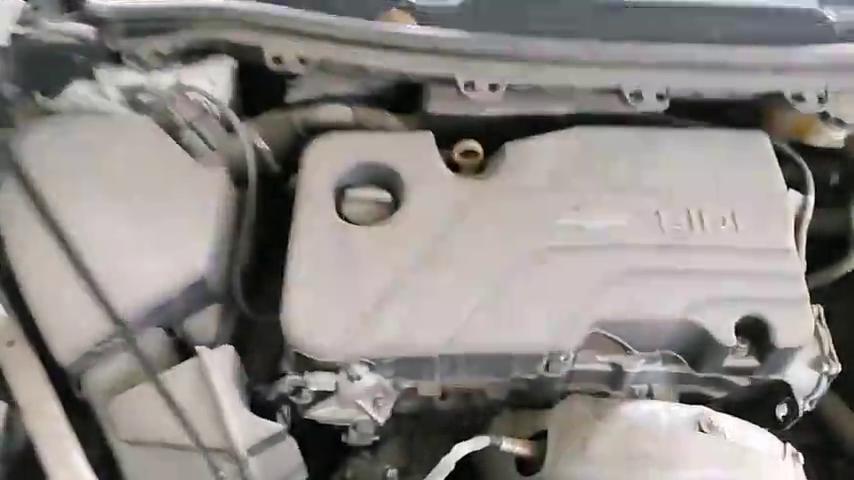 视频:新款雪佛兰科鲁兹,保养的时候一定要注意,空调滤芯是这样更换的