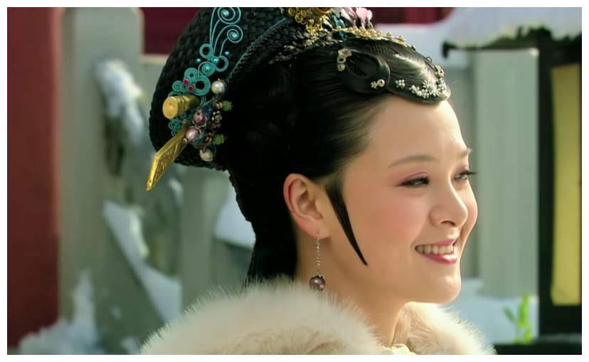 曹琴默:成也华妃败也华妃,城府极深的她,为何犯大错害了自己