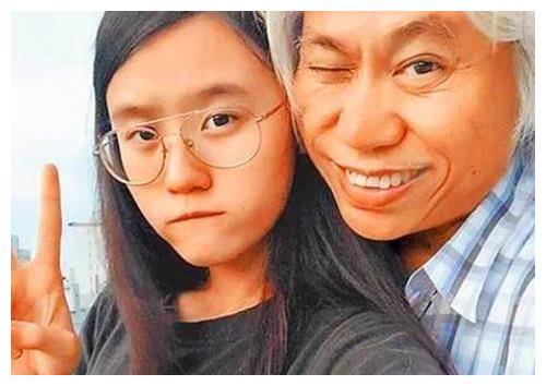 6年前,那位不顾反对爱上57岁才子的17岁女孩林靖恩,如今怎样了