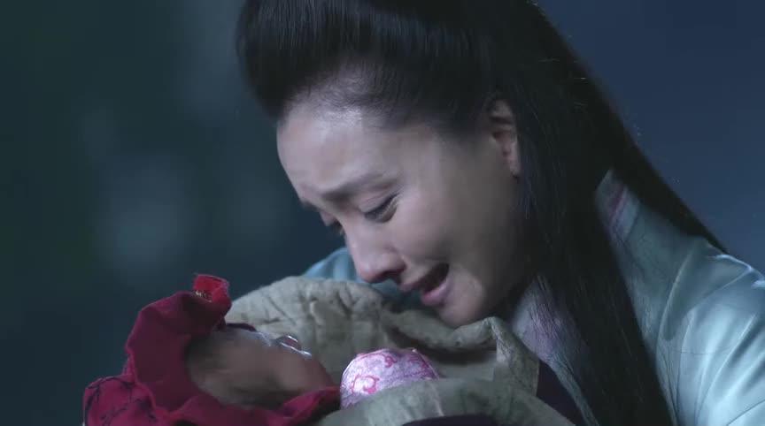 芈月传-小婴儿被石像救下,母亲默默看着石像,许久无语