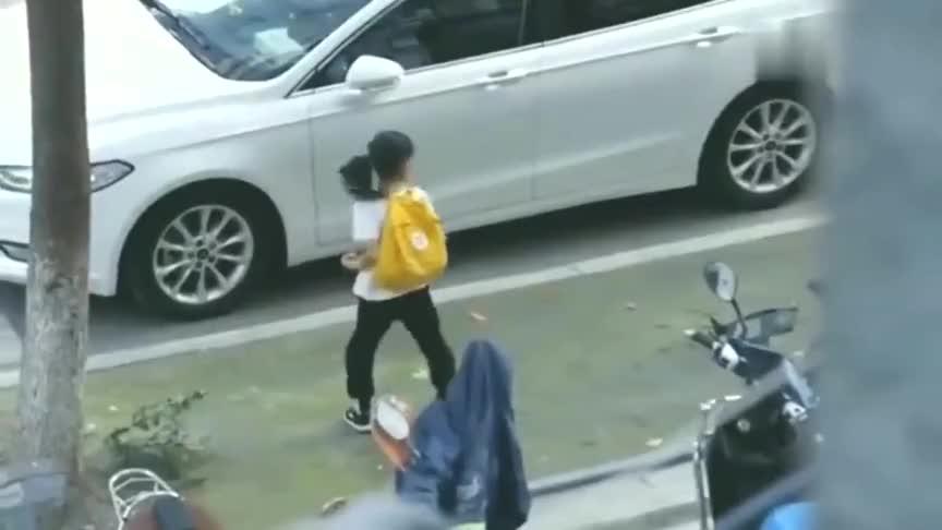 小姑娘打的这是什么拳看呆路人,真是厉害