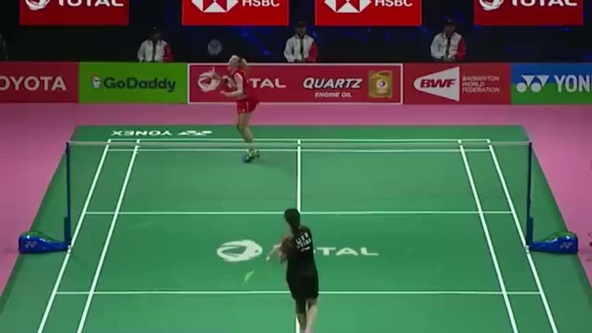 羽毛球:2年前的尤伯杯 李雪芮展示细腻手感