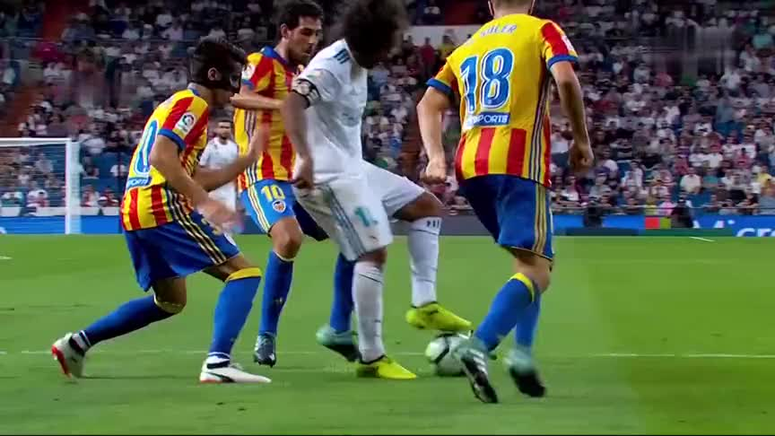 马塞洛完美诠释世界第一左后卫,球队落后换后卫就问还有谁?