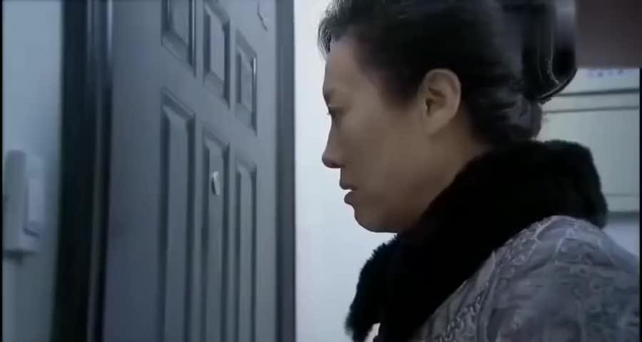 丈母娘瞧不起外地穷小伙嫌弃不是北京户口,没想到小伙竟是富二代