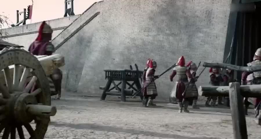澈王带兵在城外叫嚣,梁军不敢应战,导致梁军军心涣散