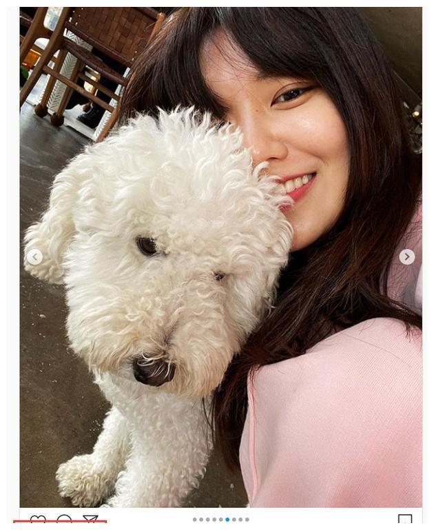 郑敬淏给女友崔秀英点赞 恋爱八年少同框仍然甜