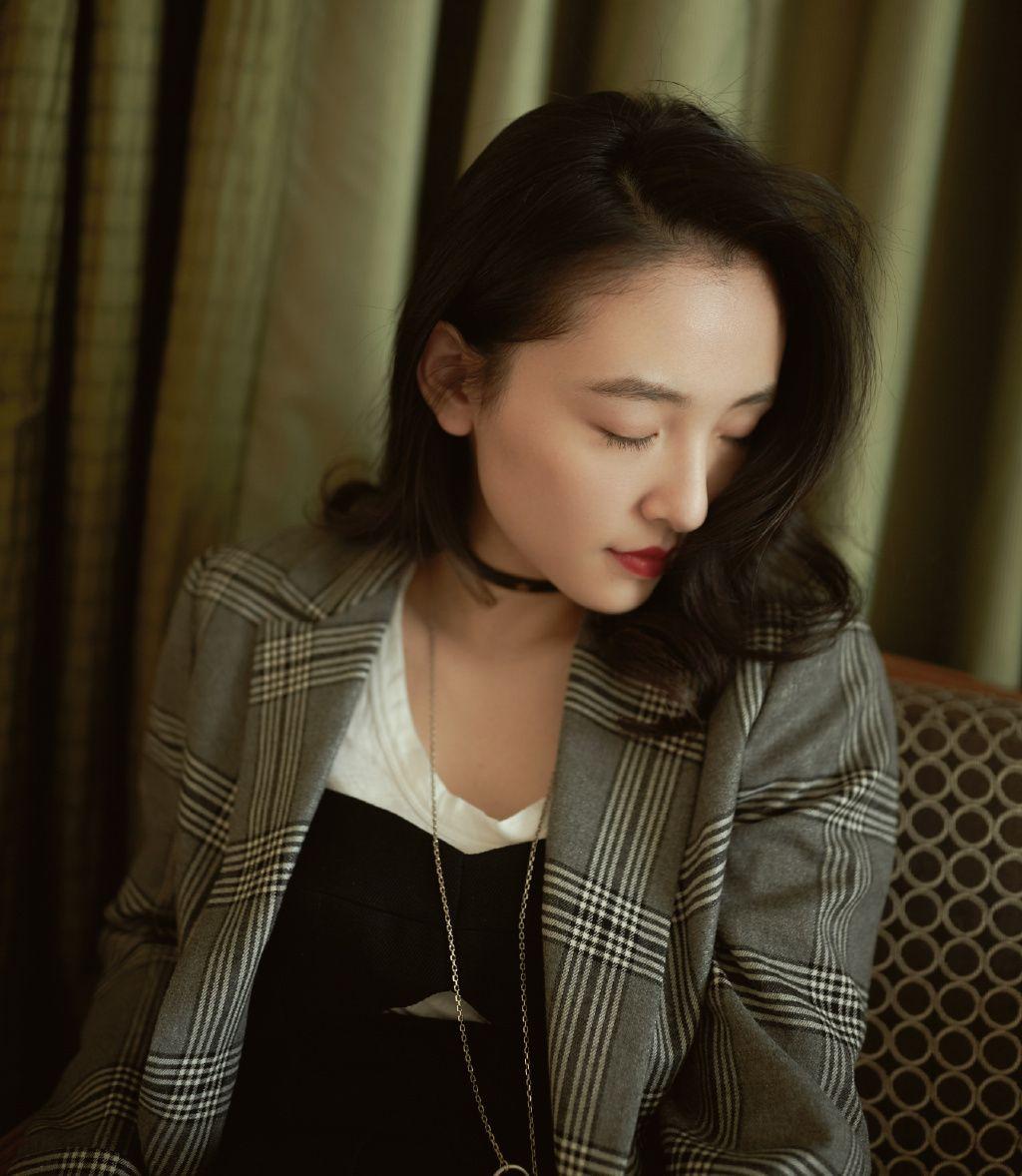 吴倩以优雅气质取胜,身材高挑、外形甜美靓丽,喜欢她吗?