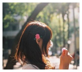 幸福钥匙 姑娘 爱情需要自己把握