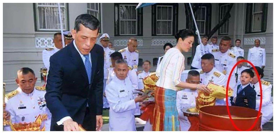 泰国王室变天真快,苏提达取代了西拉米,大公主取代了提帮功!