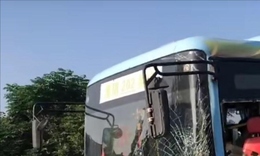 淮阴到吴城专线(202)今天早上发生交通事故