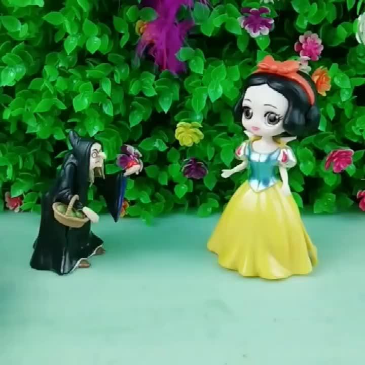 白雪被女巫带走了,因为贝儿给女巫了魔法石,贝儿为什么这么做?