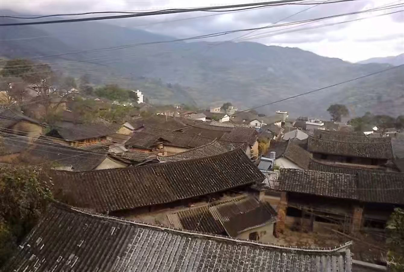 茶马古道上的凤庆县鲁史古镇