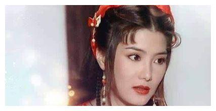 张铁林曾非她不娶,而她却不幸一夜瘫痪,今51岁活成少女
