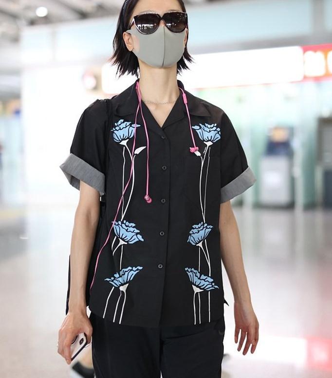不愧是比刘雯还高级的超模,奶奶裤都能玩出新花样,常人接受不了