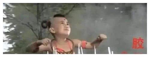 """史上最""""欠揍""""穿帮镜头:忍得了红孩儿的脚,忍不了刘涛的那双腿"""