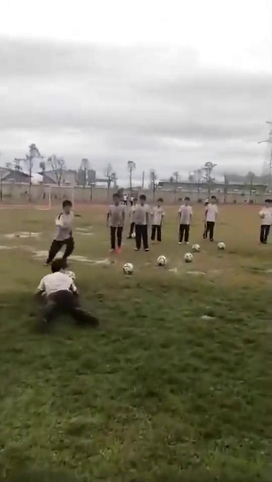 中国足球未来就指望你们了,加油!