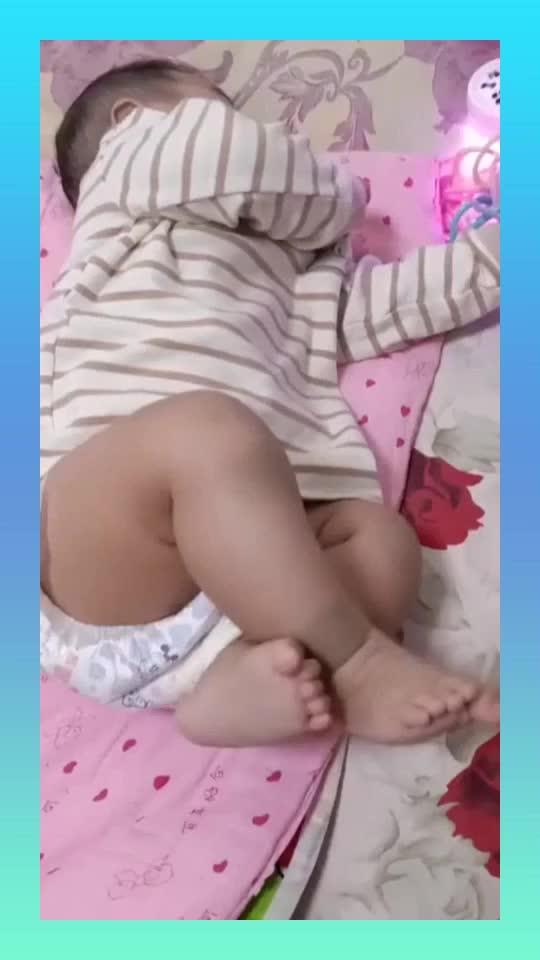 请问宝妈们宝宝腿上的胎记会自己消失吗