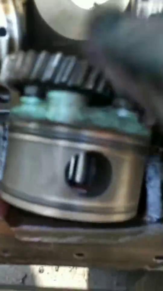 柴油机机油压力低的原因