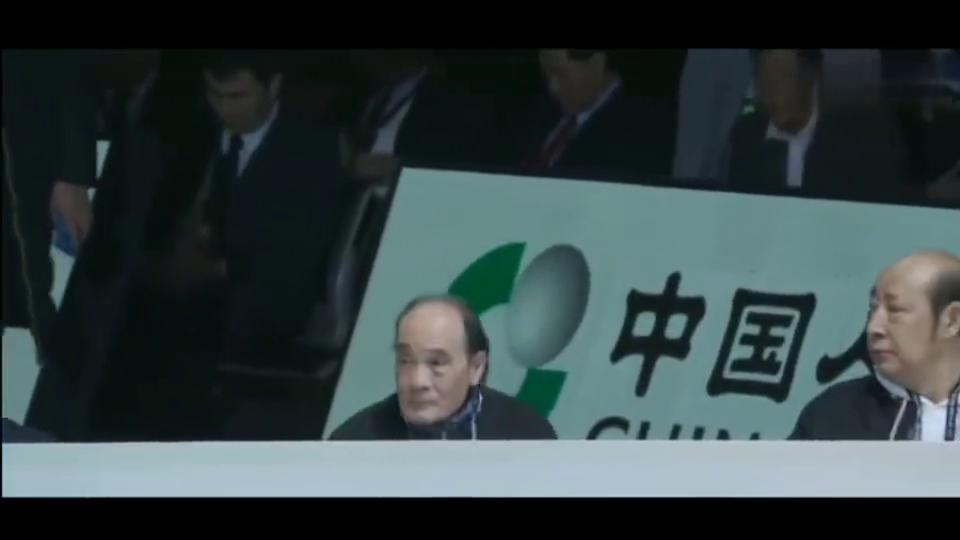 "CBA扣篮大赛,浙江队球员的一个扣篮,让解说员说""仿佛在逗我"""